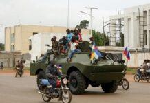 Un véhicule russe est aperçu dans les rues de Bangui, en Centrafrique, le 15 octobre 2020. PHOTO / CAMILLE LAFFONT / AFP