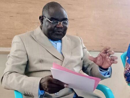 Le reverront Pasteur Pasteur Nicolas GUERKOYAME GBANGOU lors de son point de presse le mercredi 9 juin 2021 à Bangui. Photo CNC