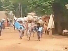Les déplacés du site du parc d'Élevage vers la mosquée centrale de Bambari, le 5 juin 2021. Photo CNC