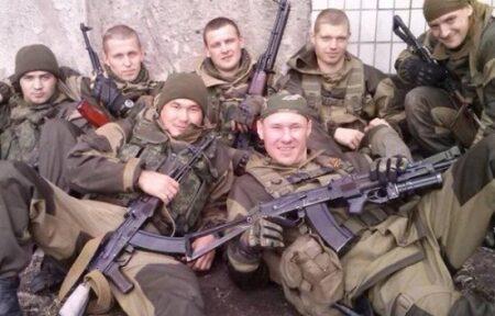 Des membres du Wagner Group, une société militaire privée russe qui emploie des ressortissants russes en tant que mercenaires, posent pour une photo en Syrie. [Photo diffusée sur les réseaux sociaux]