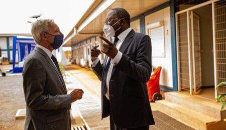 Le ministre de la défense du Portugal avec le Représentant spécial du secrétaire général de l'ONU en Centrafrique De la contribution du Portugal à la MINUSCA et à l'EUTM