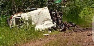 Le véhicule qui saute sur une mine terrestre à Loura, dans la localité de Bocaranga 3 le 9 septembre 2021.