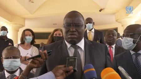Le ministre d'État en charge de la justice, Monsieur Arnaud Doubaye Abazène lors de l'atelier 22 septembre à Bangui un atelier sur le VIH et la tuberculose dans les prisons centrafricaines au profit des agents des systèmes judiciaires et pénitentiaires de santé et des organisations non gouvernementales.